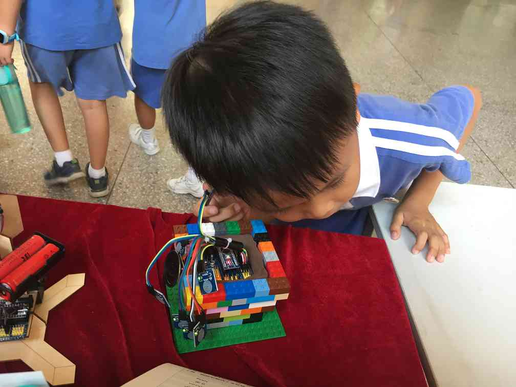 威海STEAM教育打开创新科技教育的大门
