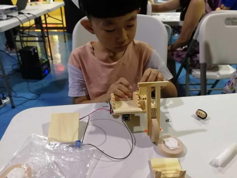 国内外机器人教育创客教育的研究情况